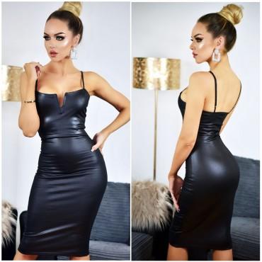 Права рокля с кожен ефект и тънки презрамки