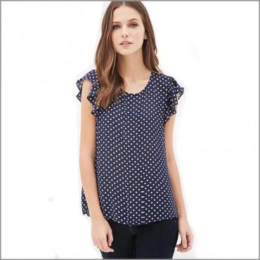 Блузка на точки с къдри