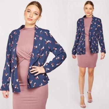 Късо сако без закопчаване с цветен принт